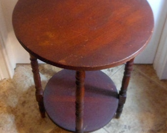 SALE! Vintage round cherry side table/occasional table