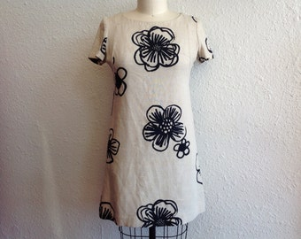 1960s Cream linen dress with oversized floral print