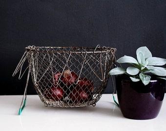French Vintage Collapsible Wire Basket, Egg Basket, Kitchen Storage, Saladier, French Country, Rustic Kitchen, Fruit Basket, Barn Wedding