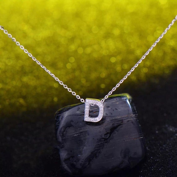 Solid 18k gold letter d diamond pendant with chain state of for Letter d diamond pendant
