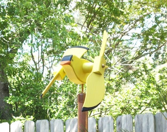 Gold Finch garden spinner