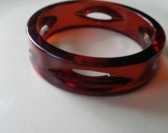 Vintage bangle bracelet carved