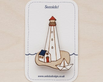 Lighthouse Brooch - Seaside jewellery - Nautical pin - Canadian lighthouse - Sea lover gift - lighthouse jewelry - Hand painted brooch
