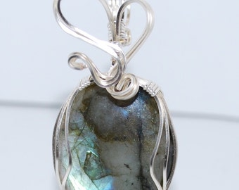 Blue Flash Labradorite Pendant with a 925 Sterling Silver Chain