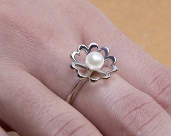 Flower Heart, Flower Ring, Silver Heart Flower, Pearl Flower, Freshwater Pearl,