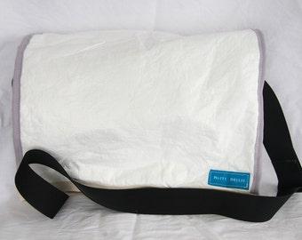 Stony Bay - Tyvek messenger bag, big crossbody bag, notebook bag, messenger bag, lightweight