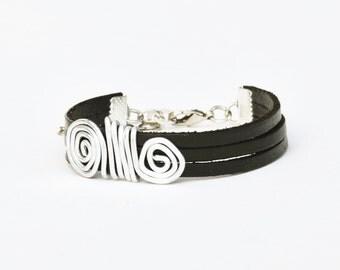 Black leather bracelet, Statement bracelet, Women bracelet, Spiral design bracelet, Silver wrapped bracelet, Stylish bracelet, Charm.