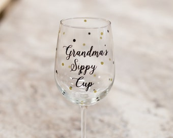 Grandma gift idea. wine glass with custom wording and confetti dots. Grandmother, Birthday gift, Christmas gift. Grandma's sippy cup.