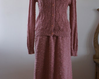 Spanner Vintage 80's Dusty Rose Knit Pink Cardigan and Skirt 2 Piece Suit European Designed  An Original Size Large M-672