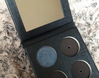 Empty Magnetic Eyeshadow Palette