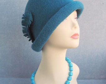 """Felted hat """"Turquoise with a feather"""" Blue green hat Green blue hat Felt hat Felt hat with feather Women's hat with feather Turquoise hat"""