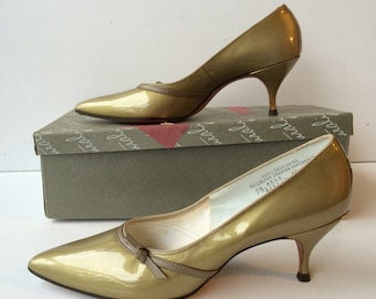 DEADSTOCK | 1960's Naturalizer GiGi Pump | Gold Patent Leather | with Original Box