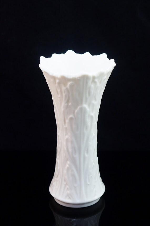 Lenox Ivory White Porcelain Flower Vase Holiday Christmas