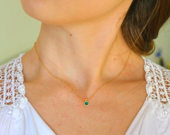 Tiny emerald green necklace, Romantic necklace, Wedding necklace, Bridal necklace, Green necklace, Delicate necklace, Trendy necklace