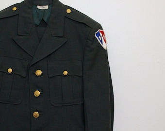 Vintage US Military Dress Uniform  / US Army Mens Dress Suit  / Size 36 Blazer / Vintage Slim Cut Army Dress Uniform