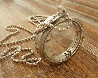 Medallion Necklace Dandelions