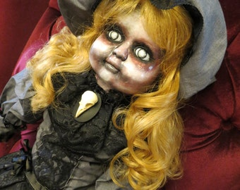 OOAK-Gothic-Zombie-Undead-Vampire-Creepy--Horror-Hand-Painted-Porcelain-Doll-Ginger