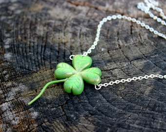Patrick's Day pendant, green 4 leaf clover pendant the jewelry of well-being