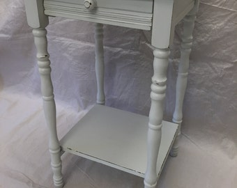 Antique White Wood Table Nightstand End/Side Painted Shabby Chic Coastal Cottage Farmhouse