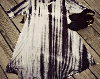 Tie dye trapeze v-neck shirt dress