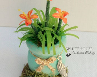 Desktop Inspiration Garden/Reminder Garden/Miniature Day Lily Garden/Windowsill Decor/Inspirational Office Decor/Fairy Garden Office plant