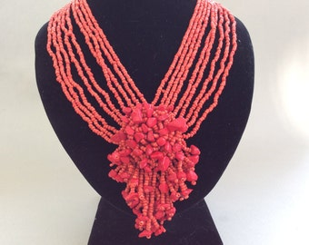 Coral Chip Red Woven Glass Bead Necklace