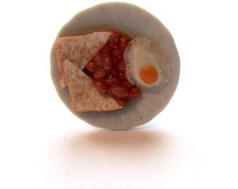 Quirky Egg and Beans Toast Plate Clay Ring
