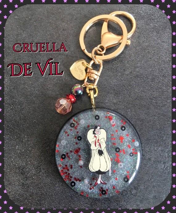 Porte clefs cruella d 39 enfer disney villains for Collection de porte clefs