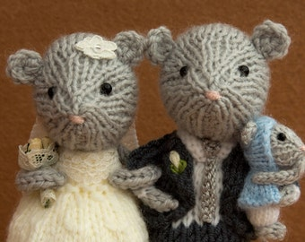 Bride and groom mice with a baby mouse, cake topper, wedding keepsake, marriage gift