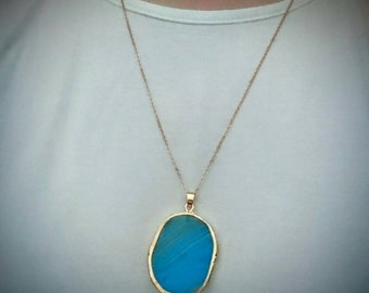 Blue Agate Slice Necklace Chunky Necklace Blue Crystal Necklace Statement Necklace Boho Pendant Boho Jewelry Blue Necklace Blue Pendant