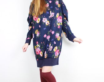 1980s Vintage Oversized Sweatshirt Dress / Floral Print Navy Blue Cotton Wide Long Sleeves Sweater dress Pink Yellow flowers / Size Medium