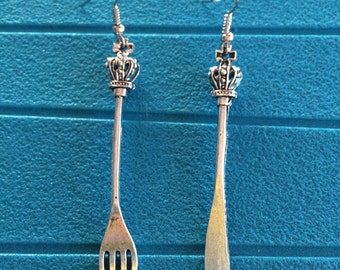 Fork and knife with Crown earrings