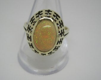 Art Deco 14 carat gold and opal ring