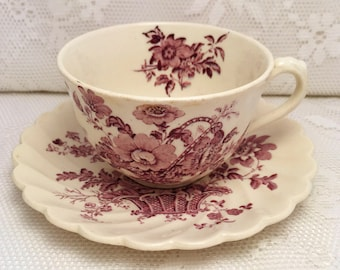 Royal Staffordshire, Charlotte Lavender Tea Cup and Saucer, Clarice Cliff, Scalloped Saucer