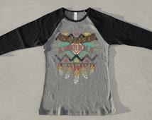 Native American Feathers Women's Fashion Baseball 3/4 Sleeve Raglan Cool Native American Ethnic Authentic Art Design T-Shirt
