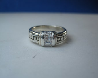 Vintage Sterling Silver White Gemstone Accent Ring Size 7