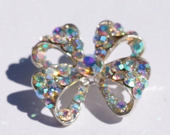 AURORA BOREALIS BROOCH - Vintage rhinestone aurora borealis - Aurora borealis bow shaped sparkling brooch