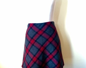 Vintag 1980's Red and Grey Plaid Wool Mini Skirt Size-Eleven