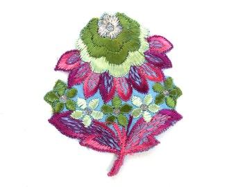 Flower applique, 1930s vintage embroidered applique. Vintage floral patch, sewing supply, antique applique. #648G101K1