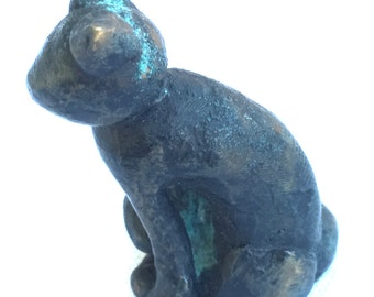 Cat sitting in bronze, sculpture, lost wax, unique piece