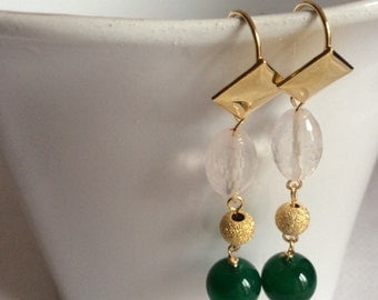 Pendant earrings in gold plated silver, jade and pink quartz
