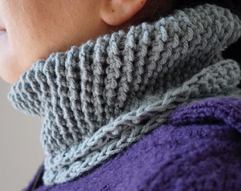 Crochet Dual Textured Neckwarmer