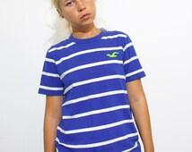 Vintage Unisex Blue and White Stripes T-shirt
