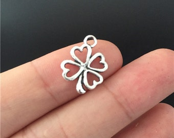 30 Four Leaf Clover Charms Antique Silver Perfect For Pendants Bracelet Earrings Zipper Pulls Bookmarks Key Chains (YT6943)