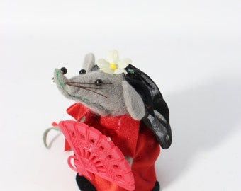 Felt Female Mouse Miniature Figurine / Folk Spain Traditional Clothes Flamenco Dancer with Hand fan