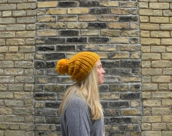 Ribbed Knit Beanie / Yellow