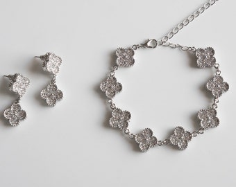 Clover Bridal Jewelry Set, Wedding Jewelry Set, Earrings and Necklace Jewelry, Gift for Her, Wedding Accessories, Rhinestone Wedding Jewelry