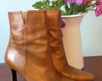 SALE - Stuart Weitzman Gold Disco Go Go Boots, Vintage 80s Ankle Boots, Metallic Shimmer Short Boots, Pointed Toe Stiletto Gold Boots, UK 3