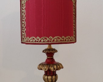 Venetian lamp in lacquered wood