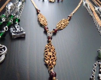 Collier's prints (filigrees) in brass and Garnet - Bohemian chic - made in France
